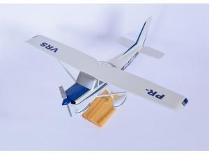 Maquete do avião Cessna 152