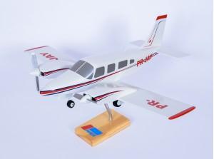 Maquete do avião Seneca ll